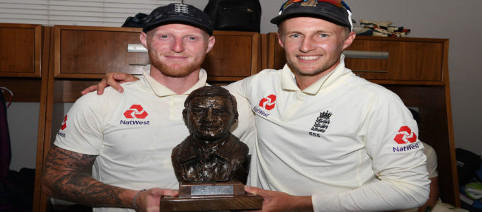 England player Ben Stokes and captain Joe Root pictured in the dressing room after Day Four of the Fourth Test between South Africa and England at Wanderers on January 27, 2020 in Johannesburg, South Africa (Photo by Stu Forster/Getty Images).